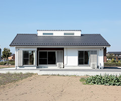 機能的かつ工夫あふれる平屋の家 / O-HOUSE